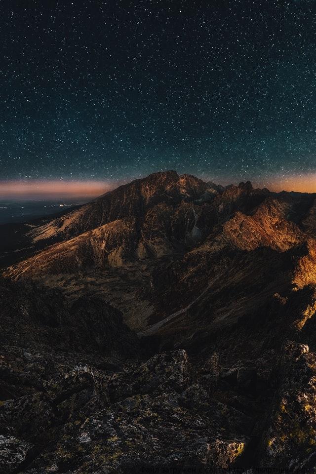 Звёздное небо в горах ночью (моб)